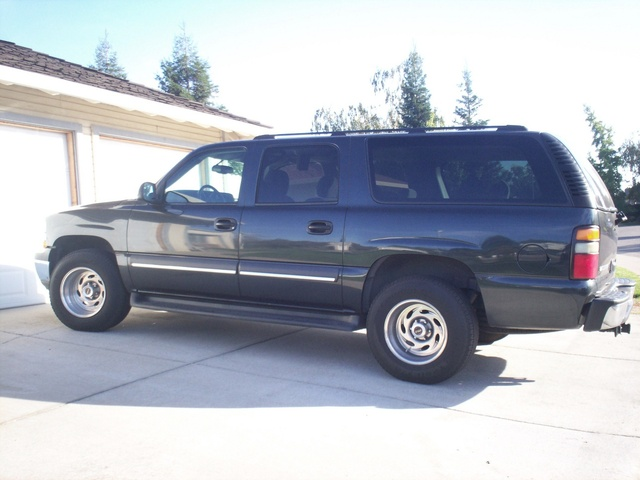 Picture of 2004 Chevrolet Suburban