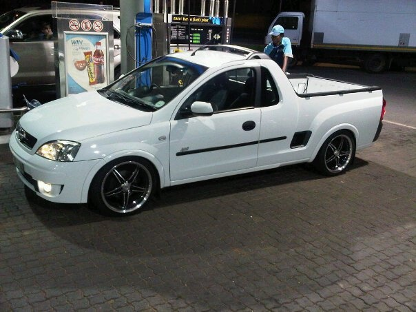 Picture of 2010 Opel Corsa