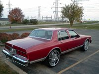 1977 Chevrolet Caprice, 1986 chevy caprice on 24 inch dubs , exterior