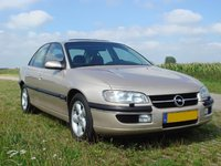1999 Opel Omega Overview