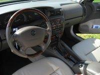 1999 Opel Omega, Interieur cuir beige élec, chauffant, ronce de noyer ..., interior