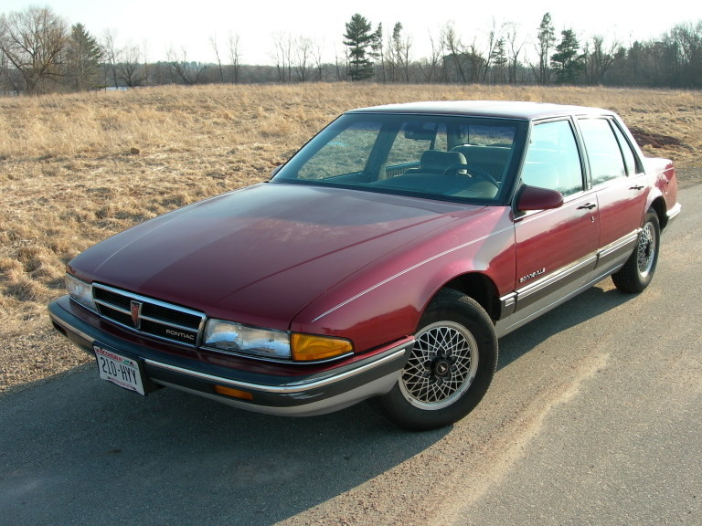 1989 Pontiac Bonneville - Overview