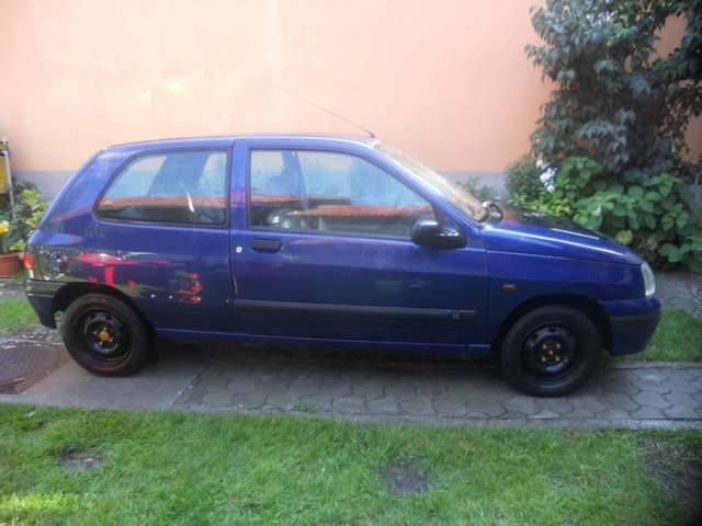 Picture of 1997 Renault Clio