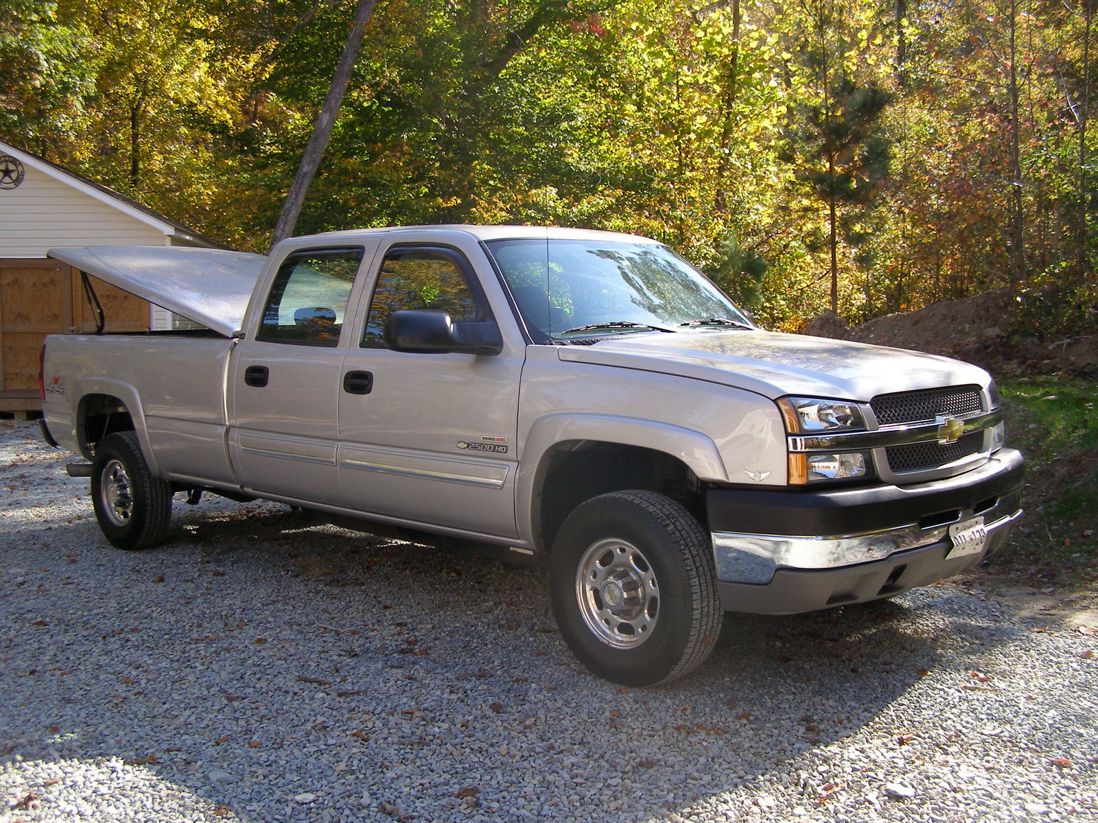 2004 chevrolet silverado 2500hd 4 dr ls 4wd crew cab lb hd picture. Cars Review. Best American Auto & Cars Review