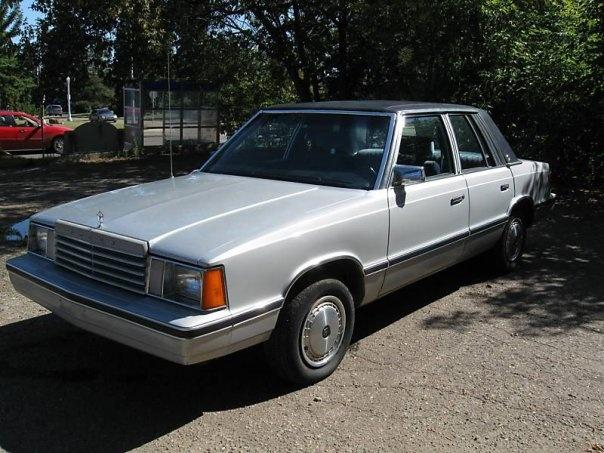 Foto de un 1983 Dodge Aries
