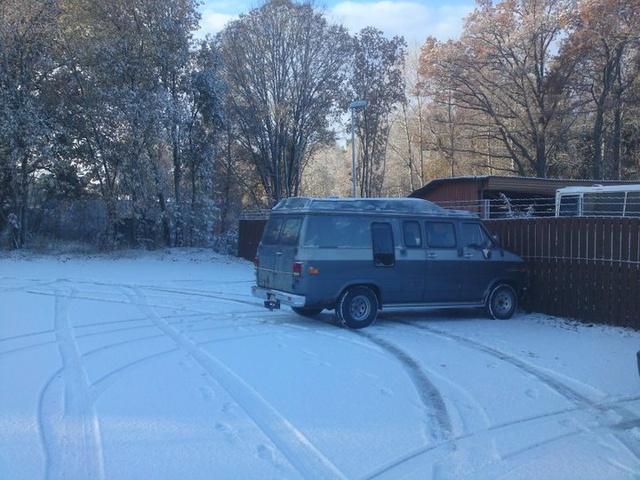 Picture of 1990 Chevrolet Chevy Van