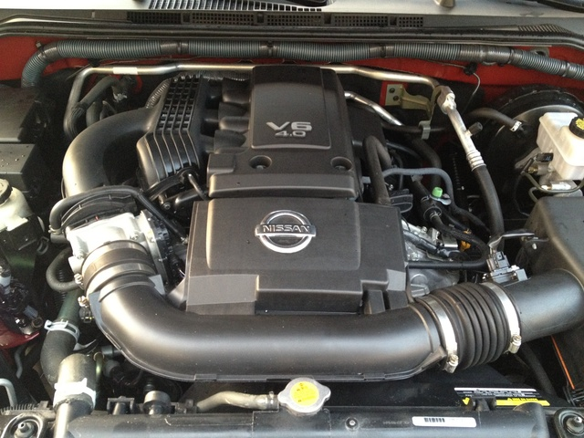Picture of 2010 Nissan Frontier SE Crew Cab 4WD, engine, gallery_worthy