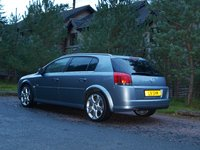 2006 Vauxhall Signum Overview