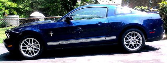 Picture of 2012 Ford Mustang V6 Premium Coupe RWD, exterior, gallery_worthy