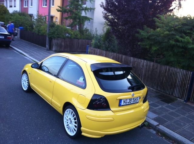 Picture of 2001 MG ZR
