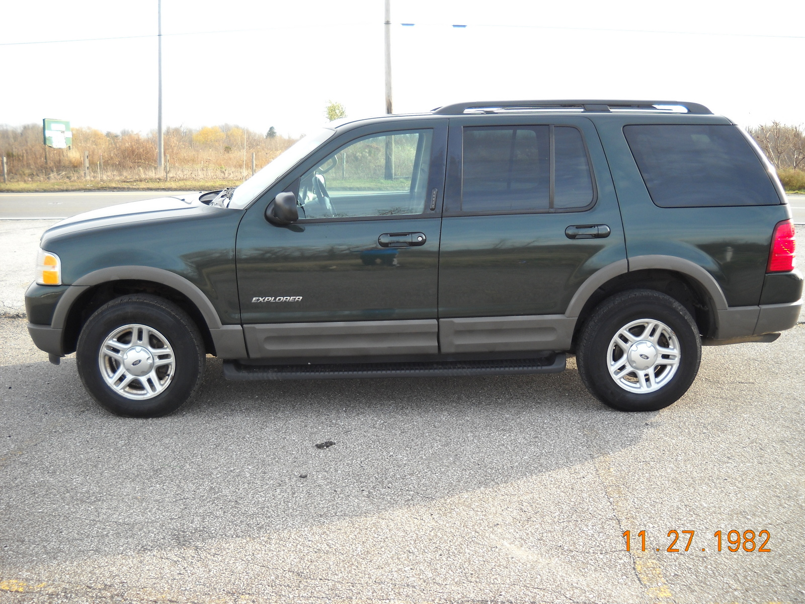 used 2002 ford explorer xls features specs edmunds. Black Bedroom Furniture Sets. Home Design Ideas