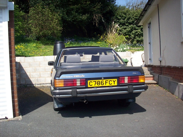 Picture of 1984 Ford Granada