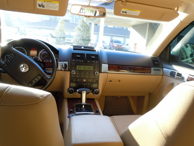 2008 volkswagen touareg 2 interior pictures cargurus. Black Bedroom Furniture Sets. Home Design Ideas