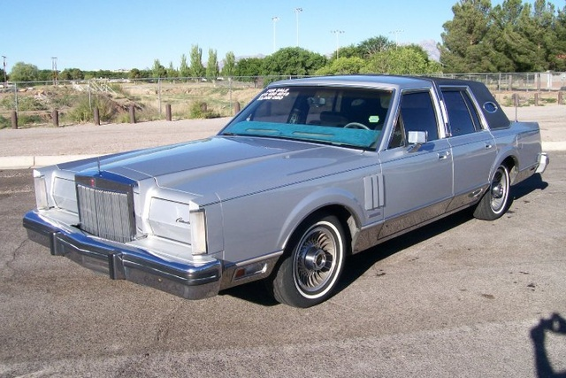 Picture of 1983 Lincoln Continental