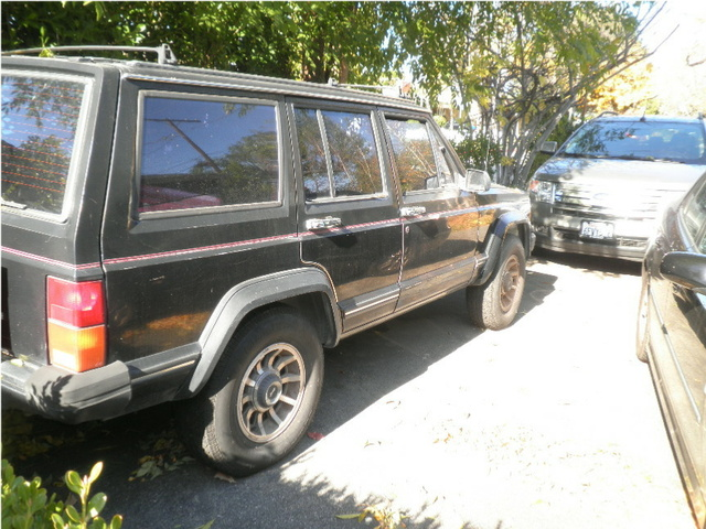 Picture of 1985 Jeep Cherokee
