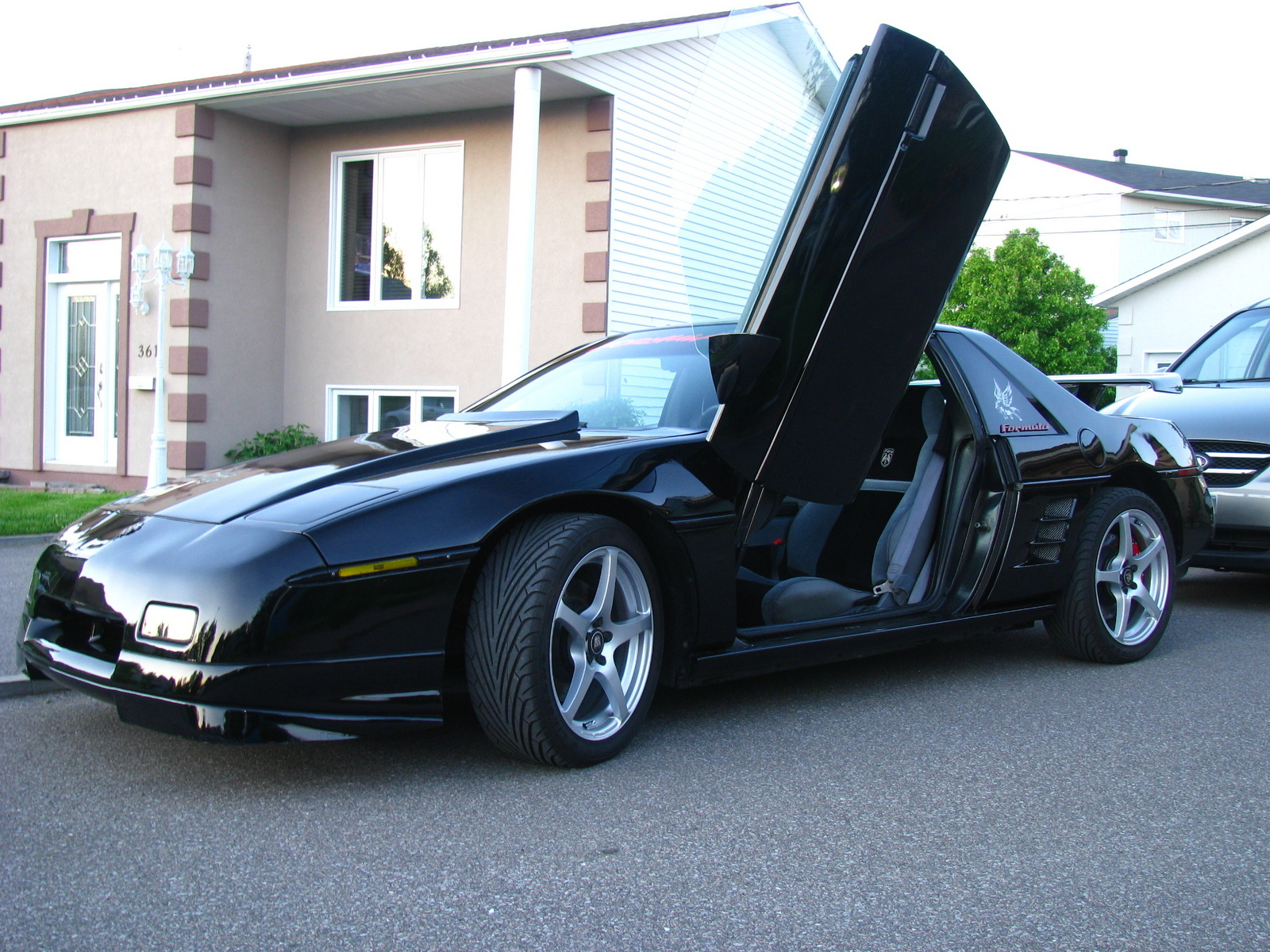 1988 pontiac fiero - overview
