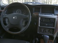 Picture of 2005 Nissan Patrol, interior