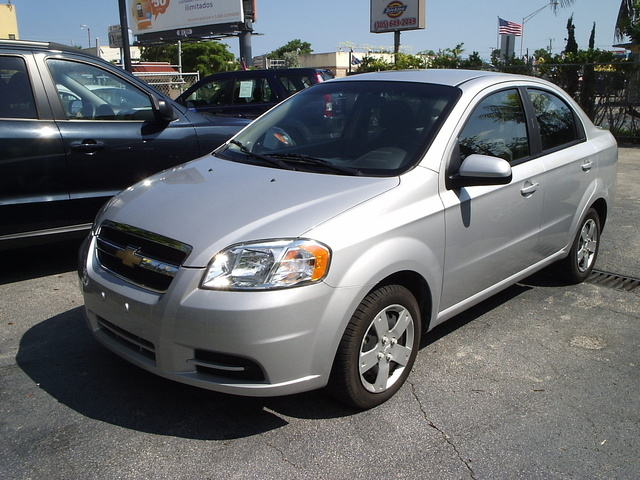 Picture of 2010 Chevrolet Aveo 1LT Sedan FWD, exterior, gallery_worthy