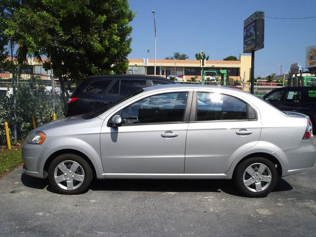 Picture of 2010 Chevrolet Aveo 1LT Sedan FWD, exterior, gallery_worthy