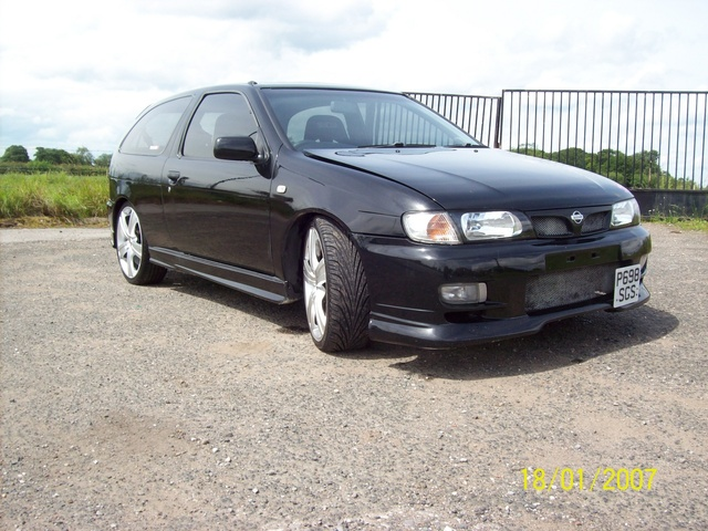 Picture of 1997 Nissan Almera