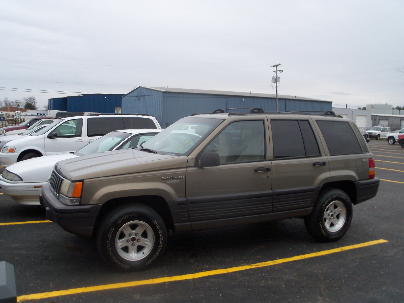 picture of 1995 jeep grand cherokee se 4wd exterior. Cars Review. Best American Auto & Cars Review