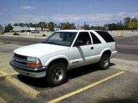 2001 Chevrolet Blazer 2 Dr LS SUV picture, exterior