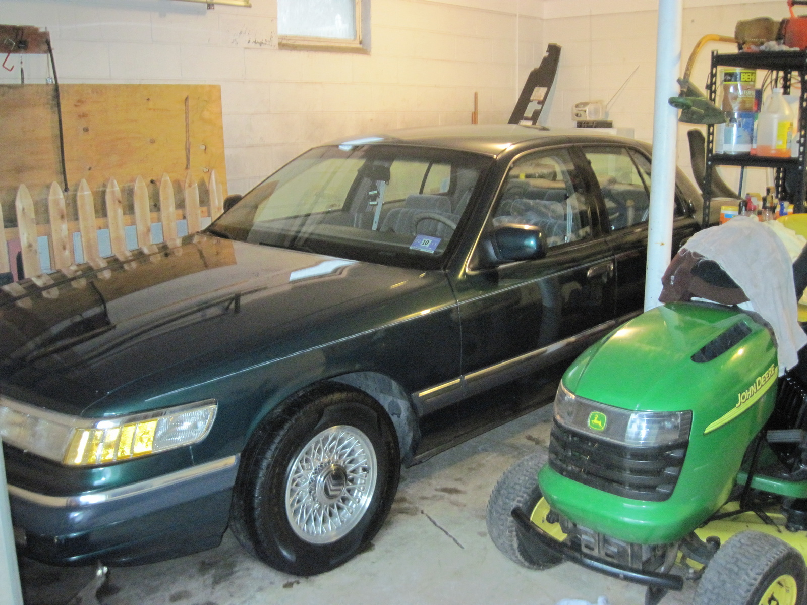 1993 Mercury Grand Marquis 4 Dr GS Sedan picture