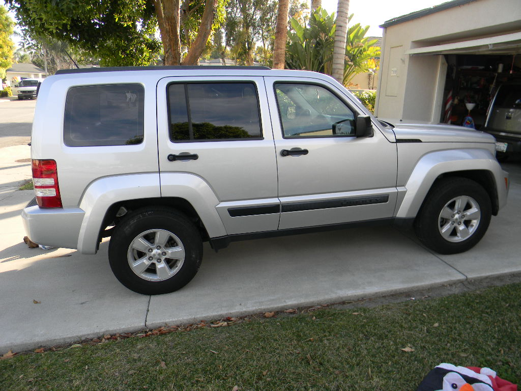 2009 jeep liberty pictures cargurus. Black Bedroom Furniture Sets. Home Design Ideas