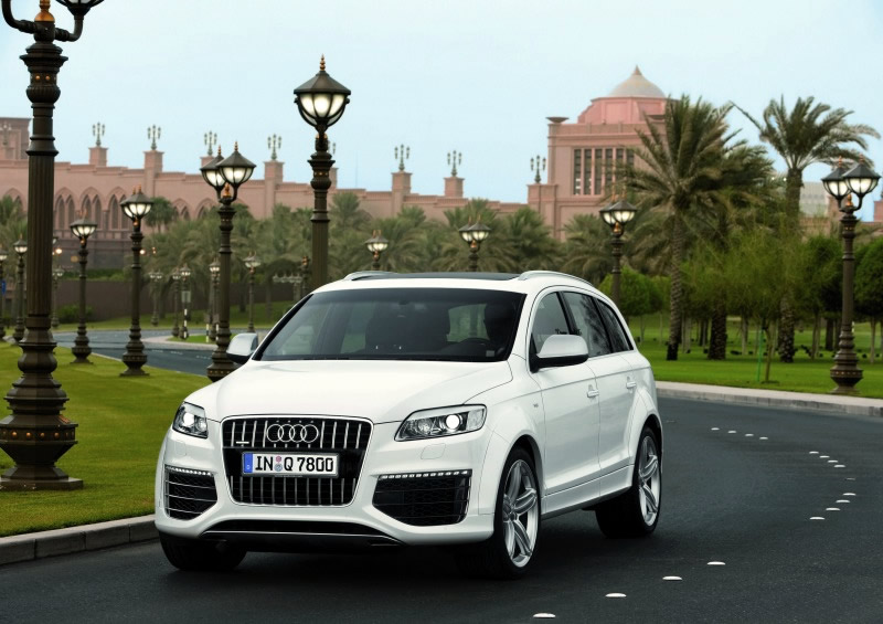 Larges SUV from Audi   New 2013 Audi Q7