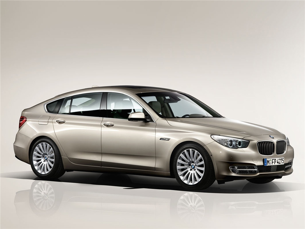 2012 BMW 5 Series Gran Turismo, exterior front right quarter view, exterior, manufacturer