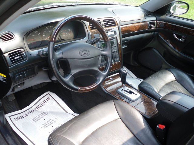 2003 hyundai xg350 pictures cargurus. Black Bedroom Furniture Sets. Home Design Ideas