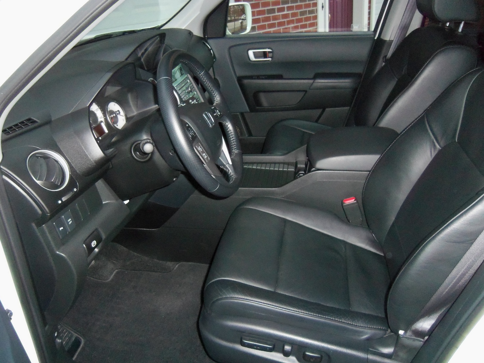 2011 honda pilot interior pictures cargurus. Black Bedroom Furniture Sets. Home Design Ideas