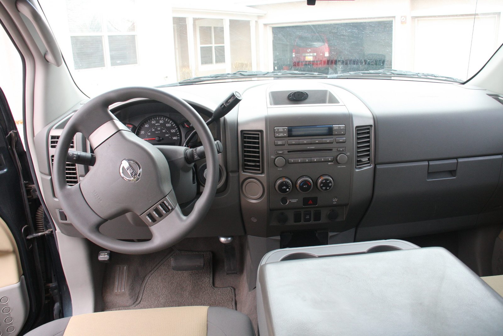 2004 nissan titan interior pictures cargurus. Black Bedroom Furniture Sets. Home Design Ideas