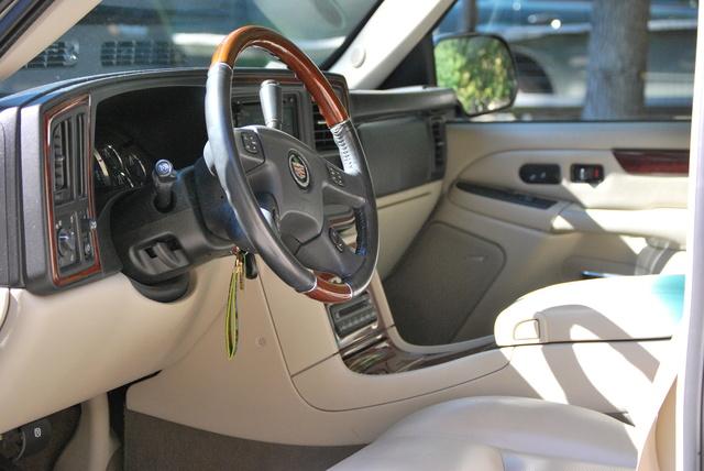 Used Cadillac Ats >> 2006 Cadillac Escalade - Interior Pictures - CarGurus