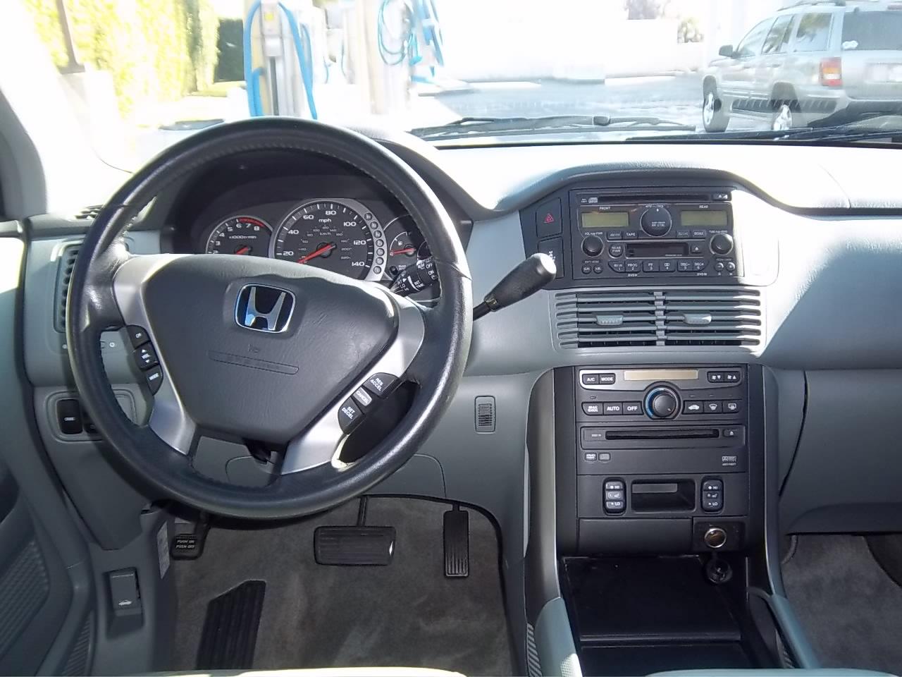 2004 Honda Pilot - Interior Pictures