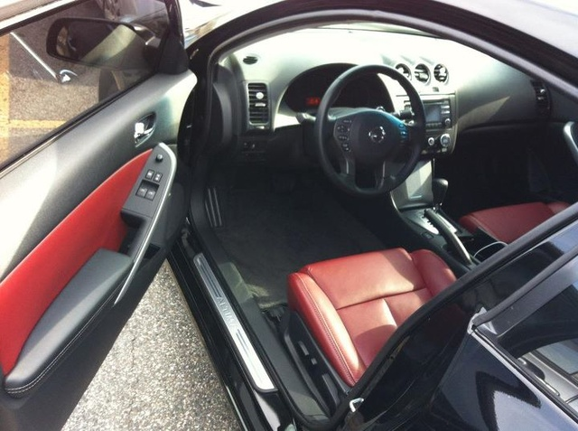 2012 nissan altima coupe interior pictures cargurus. Black Bedroom Furniture Sets. Home Design Ideas