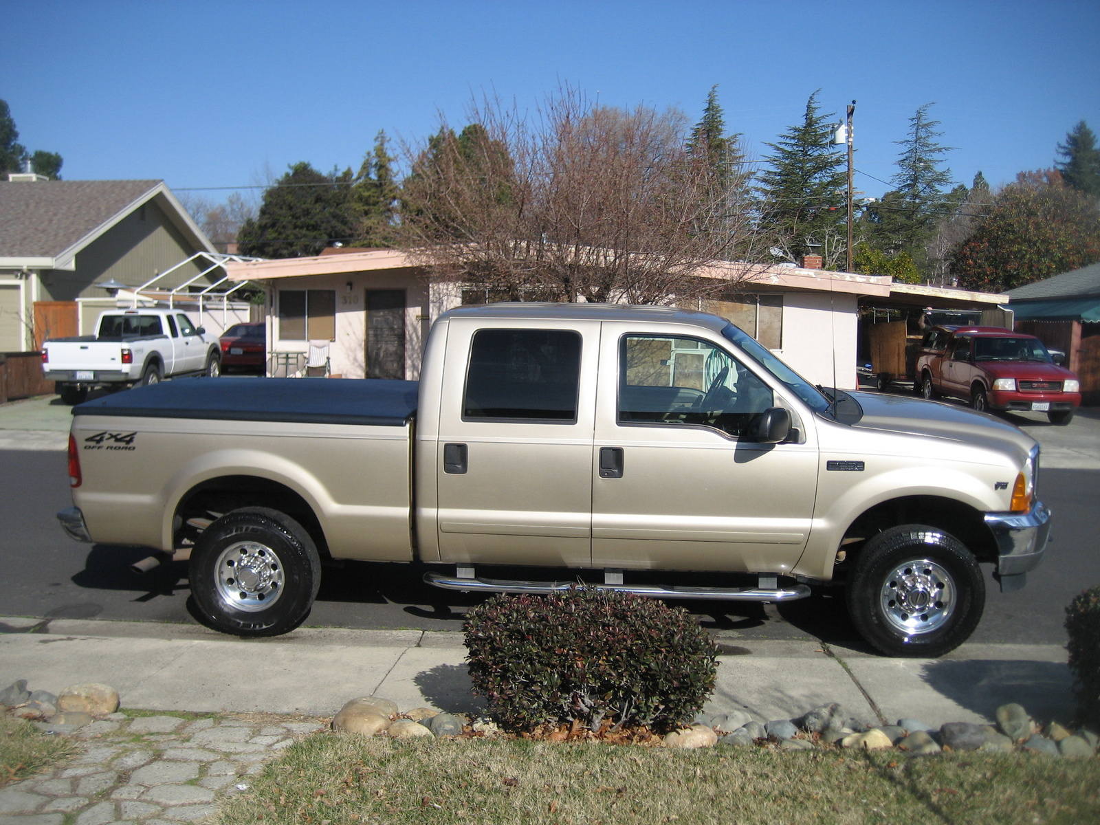 2012 Ford Escape Reviews Consumer Reports Picture of 2001 Ford F-250 Super Duty XLT 4WD Crew Cab SB, exterior