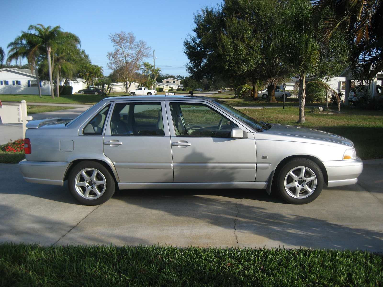 Picture of 2000 Volvo S70 4 Dr SE Sedan, exterior
