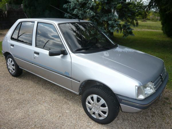 Picture of 1994 Peugeot 205