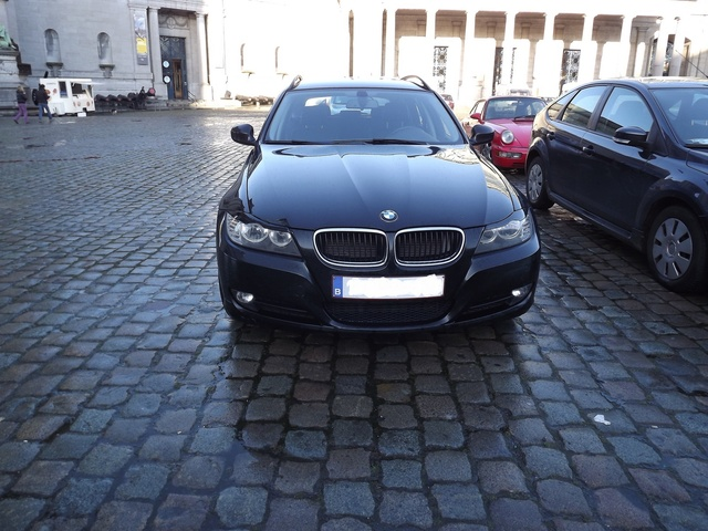 Picture of 2011 BMW 3 Series