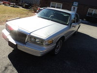 1997 Lincoln Town Car Executive, Picture of 1997 Lincoln Town Car 4 Dr Executive Sedan, exterior