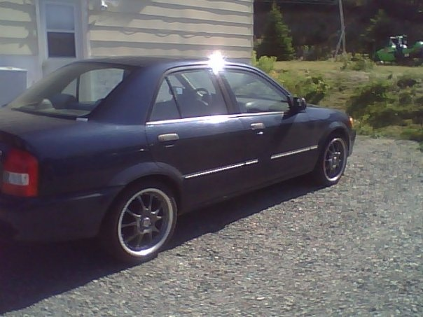 Picture of 1999 Mazda Protege