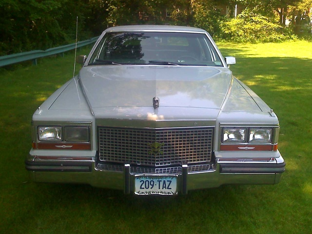 Picture of 1988 Cadillac Brougham