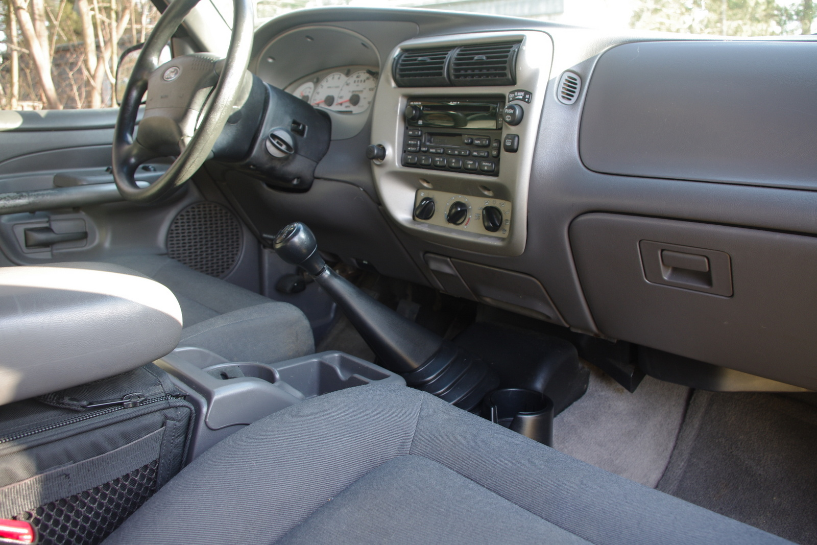 2002 ford explorer sport interior pictures cargurus. Black Bedroom Furniture Sets. Home Design Ideas