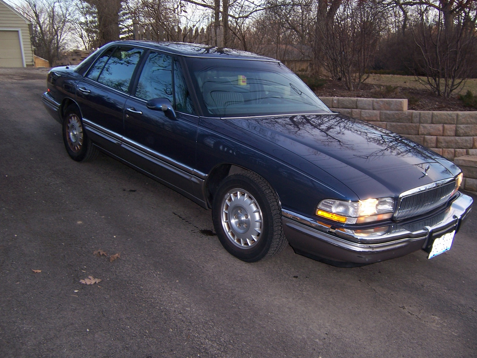 picture of 1996 buick park avenue 4 dr ultra supercharged sedan exterior. Black Bedroom Furniture Sets. Home Design Ideas