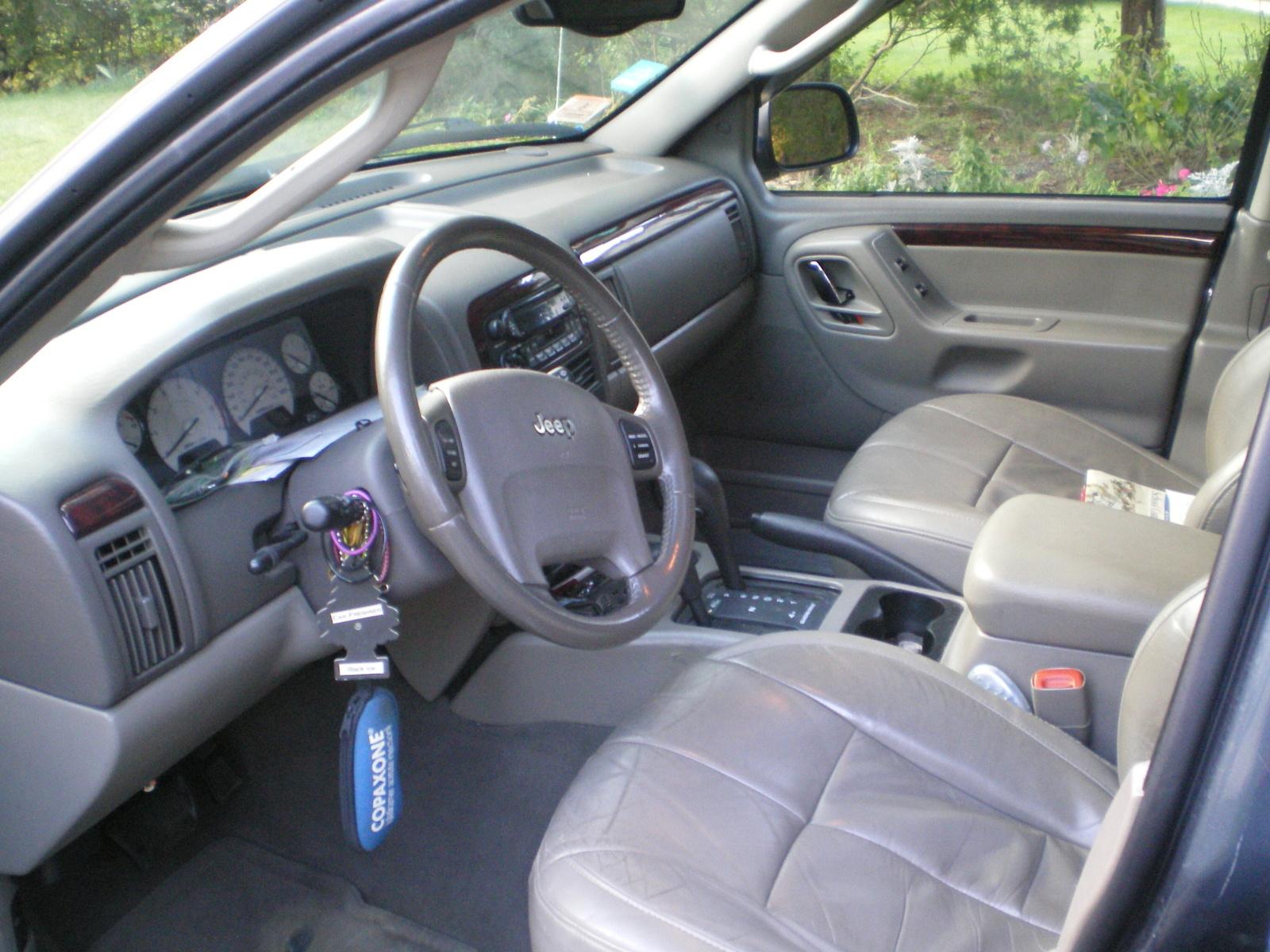 2004 jeep grand cherokee interior pictures cargurus for 2004 jeep grand cherokee interior
