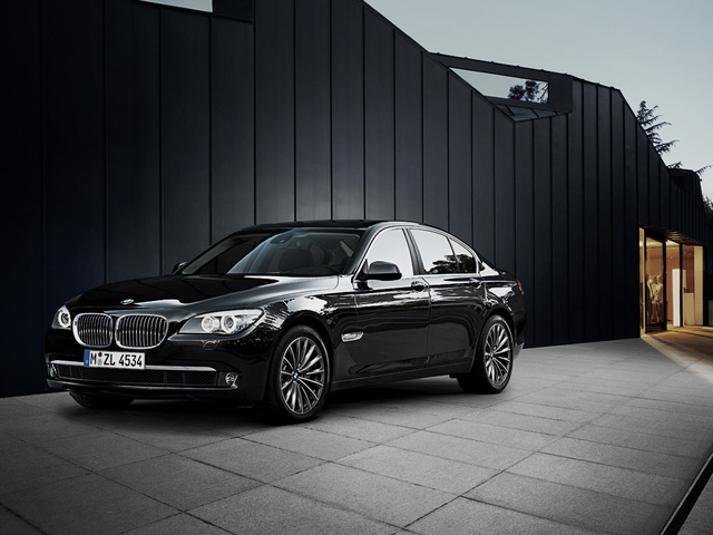 Picture of 2011 BMW 7 Series