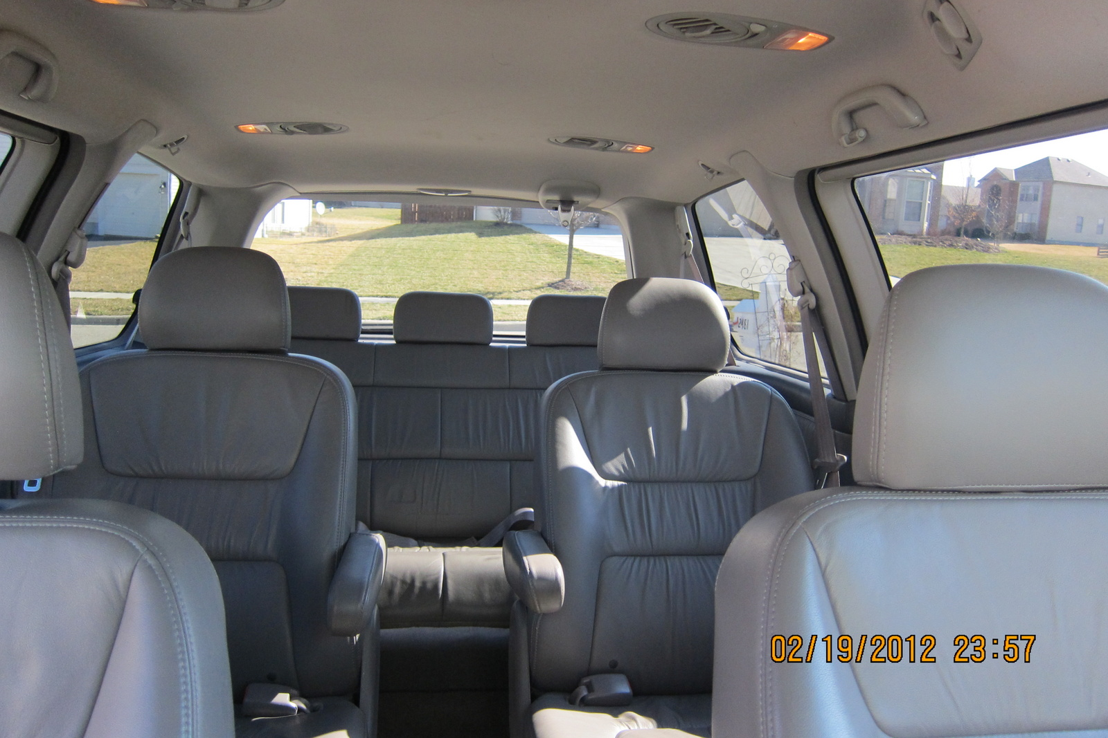 2004 honda odyssey interior pictures cargurus. Black Bedroom Furniture Sets. Home Design Ideas