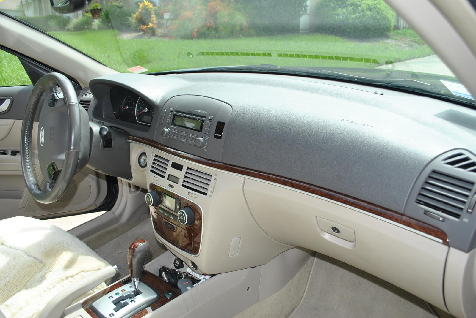 2006 hyundai sonata interior pictures cargurus for Hyundai sonata 2006 interior