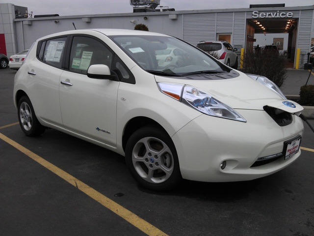 2012 nissan leaf pictures cargurus. Black Bedroom Furniture Sets. Home Design Ideas